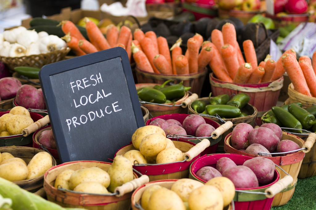 produce farmers market vegetables